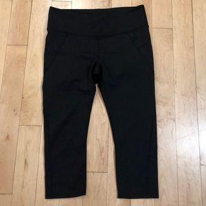 Athleta Large Capri leggings